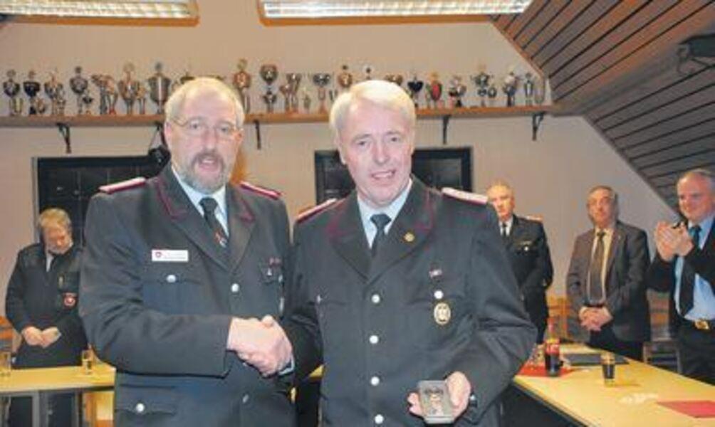 Feuerwehr sagt ade heinrich bredemeier for Burkhard heinrich