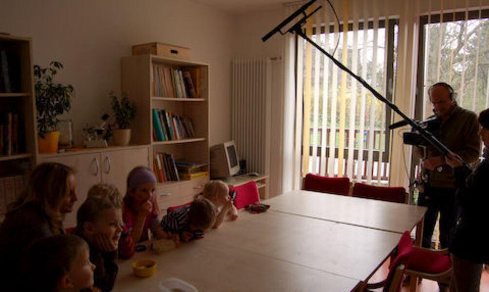 kinder vor der kamera sind wir ber hmt. Black Bedroom Furniture Sets. Home Design Ideas