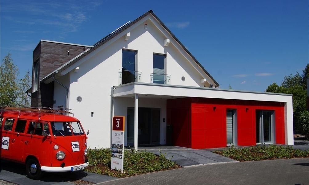Moderne architektur satteldach moderne huser von biuro projektw mtm styl architekt flensburg - Moderne fensterformen ...