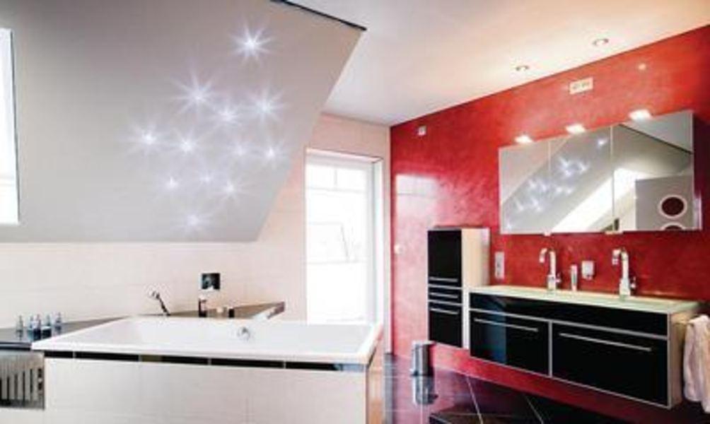Kristallklarer Sternenhimmel im eigenen Badezimmer